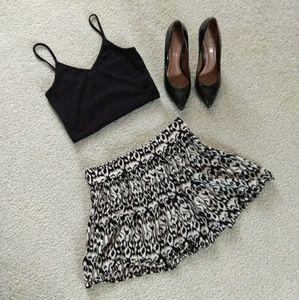3 for $15 black and cream pattern skirt
